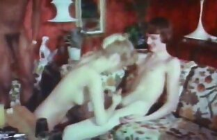 سیاه هل دیک خود دیدن فیلم سکسی زنده را در دهان عاشق خود را