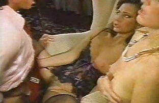 مرد fucks در همسر خود را بر روی نیمکت دیدن انلاین فیلم های سکسی